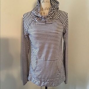 EUC- Gapfit, Breathe Striped Hoodie